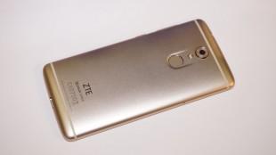 Фото смартфона ZTE Axon 7 Mini