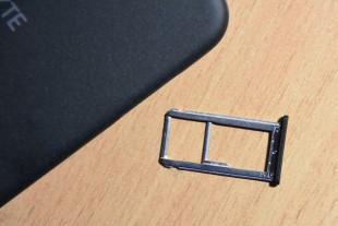 Лоток для сим-карт и карты памяти