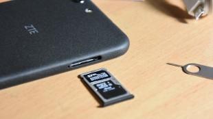 Установка карты памяти и сим-карты в ZTE Blade Z10