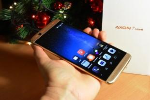 В ZTE Axon 7 Mini отличные цветопередача и яркость экрана